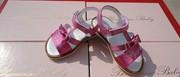 Продам мелким оптом (от 10 пар) детскую брендовую обувь