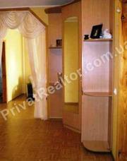 4 - х комнатную квартиру,  общая площадь 81 м. кв..