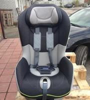 Продам автомобильное детское кресло Chicco б/у.