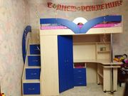 Кровать-чердак с рабочей зоной,  угловым шкафом и лестницей-комодом