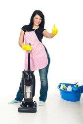 Для уборки массажного салона,  требуется уборщица