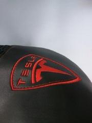 Вышивка на коже на заказ любого рисунка и логотипа
