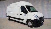 Водитель с личным грузовым микроавтобусом Renault Master 3